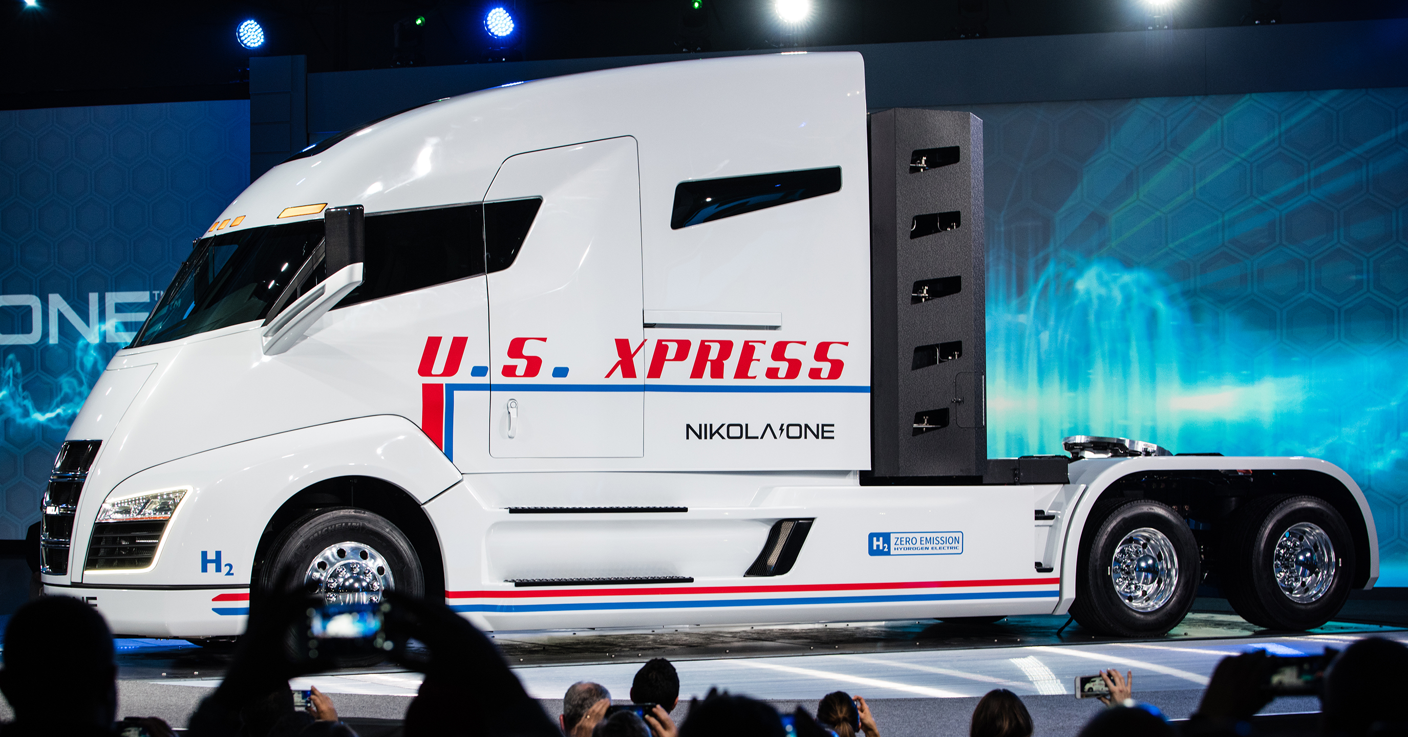 Nikola One hydrogen cell all electric semi-truck